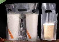 单杯奶茶袋定制厂家提醒您,定制奶茶手提袋要符合店铺风格